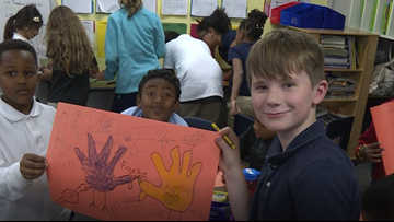 Grand Rapids students decorate 900 placemats for Mel Trotter's Thanksgiving dinner