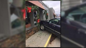 Grand Haven: Car crashes into Rendezvous restaurant