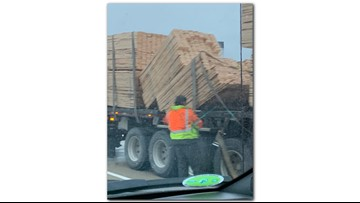 Lumber spill dealys morning traffic on SB U.S. 131