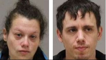 Couple poses as store management and steals money, deputies say