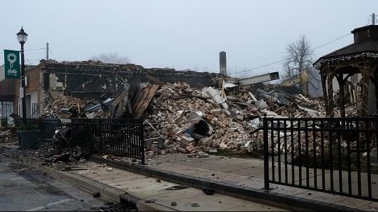 Accidental blaze destroys candle shop, bridal studio in Fowler; third business damaged