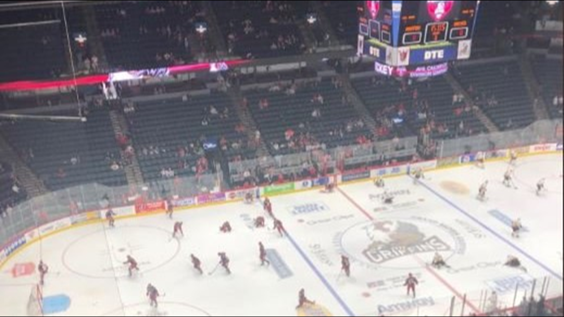 Wolves force game five & beat Griffins at home