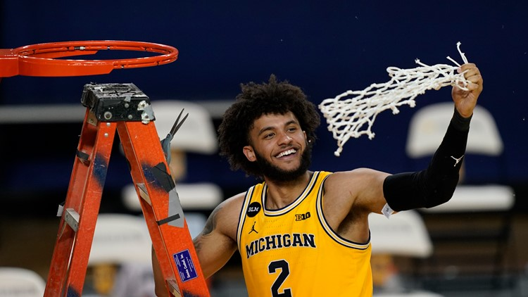 No. 2 Michigan clinches Big Ten, beats Michigan State 69-50