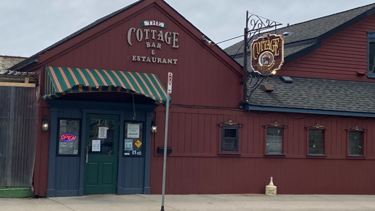 Cottage Bar holds good-bye party for previous owner