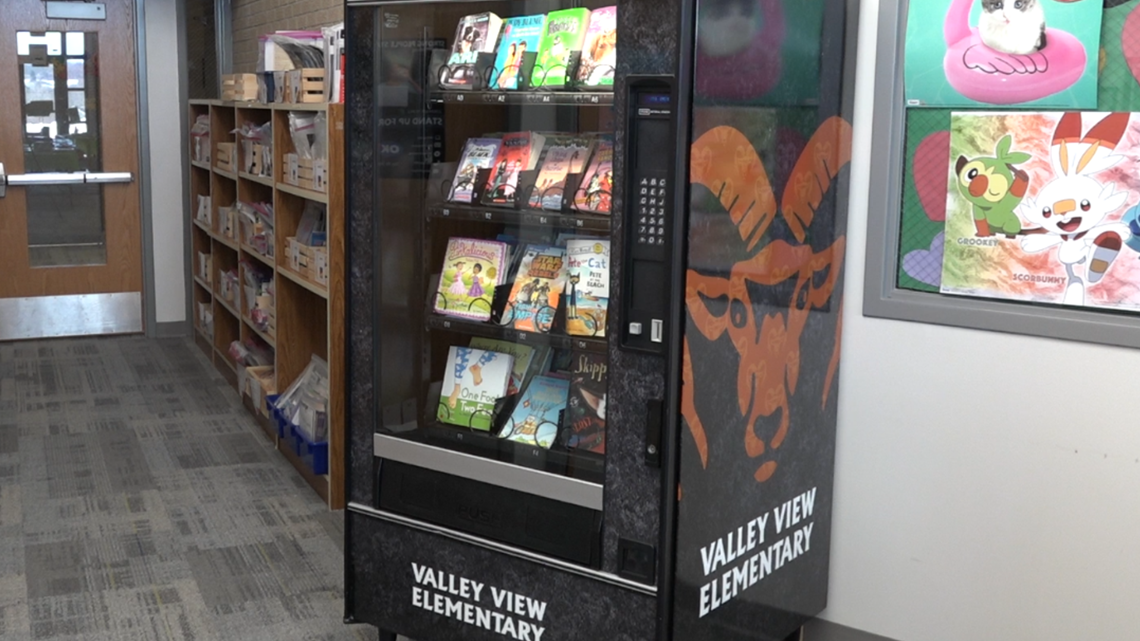 Rockford school adds book vending machine to inspire young readers