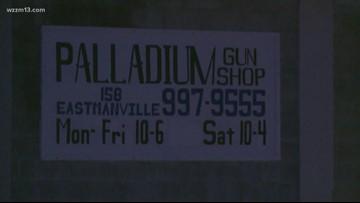 Deputies investigating gun store break-in