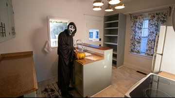 'Do you like scary movies?' | Lansing realtor poses as Ghostface to list home