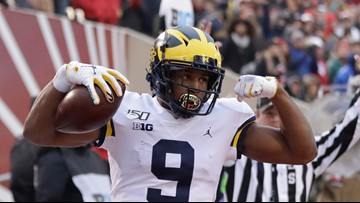 Michigan moves into top 10 of AP poll