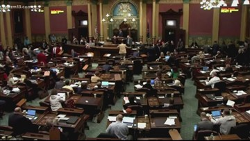 Michigan lawmakers set extra session amid insurance talks