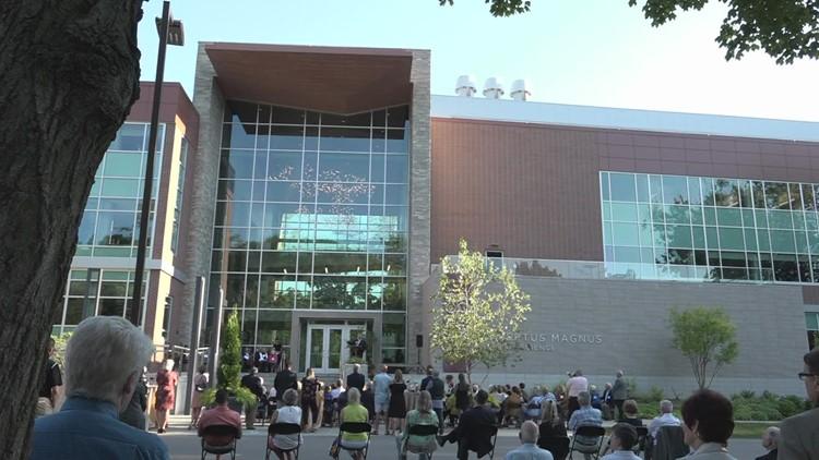 Aquinas unveils expanded science building