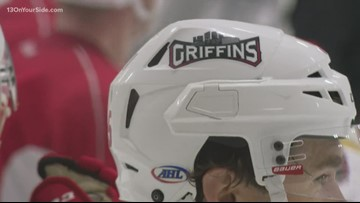 Griffins start season with road win against Chicago