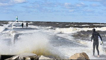 Gusty winds, large waves hit the lakeshore