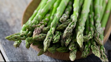 Roasted asparagus salad with whipped goat cheese: Delicious