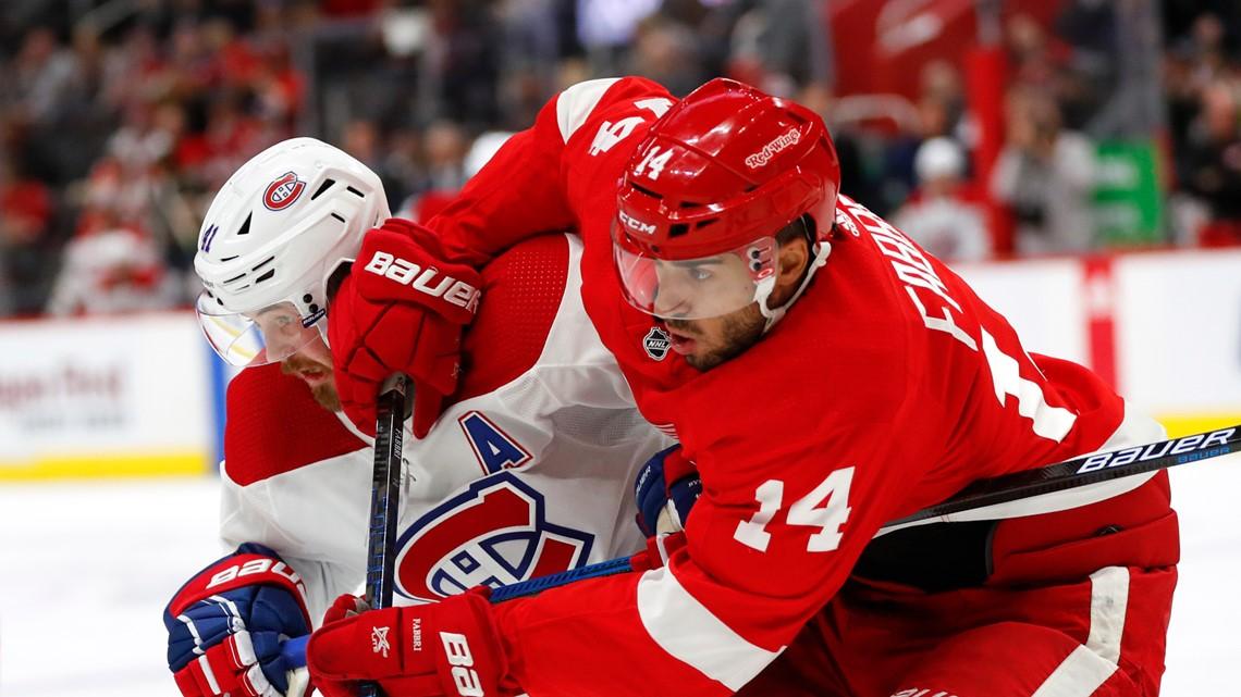 NHL-worst Red Wings beat Canadeins 4-3, sweep season series
