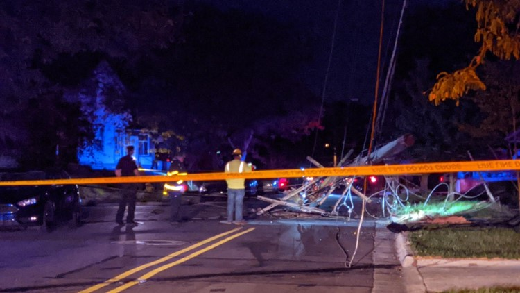 Crash takes out power lines in southeast Grand Rapids