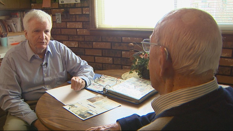Richard Mullally meets with WWII veterans.