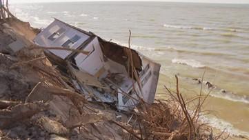 Public forum on Lakeshore erosion draws hundreds to Holland