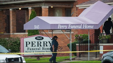 Michigan seeks to revoke license of Detroit funeral home