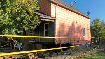 2 dead in police chase after car crashes into Detroit house