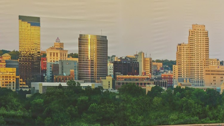 'IT'S HUGE': ArtPrize entry is largest photo ever of Grand Rapids' skyline