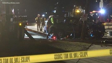 Police: Wyoming woman killed in crash, child left in serious condition