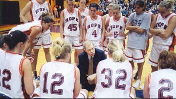 Hope College Women's Basketball coach becomes fastest in NCAA to reach 600 wins