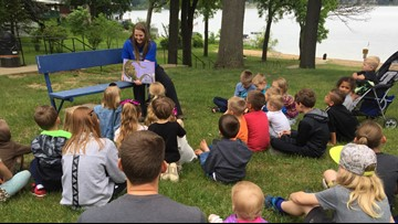 Oakridge teachers offering story time in area parks
