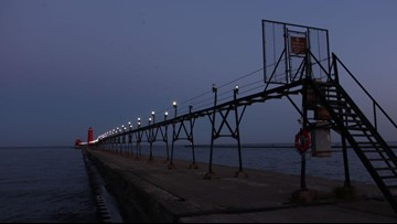 Grand Haven catwalk to be illuminated for the first time in 3 years