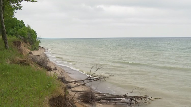 Lake Michigan shipwreck, sunk since 1887, 'sails' again 134 years later