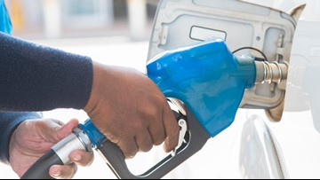 AAA: Gas prices continue to fall