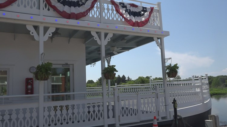 Lowell Showboat opens to the public