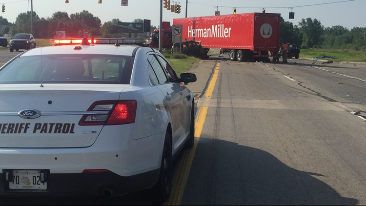 Fatal crash temporarily shut down US-31 north of Holland | wzzm13 com