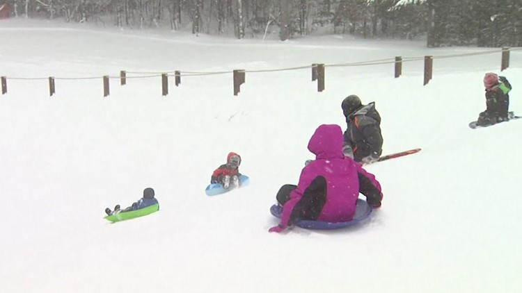 'To ski or not to ski': New camera shows 24/7 live feed of popular sledding hill and cross-country ski tracks