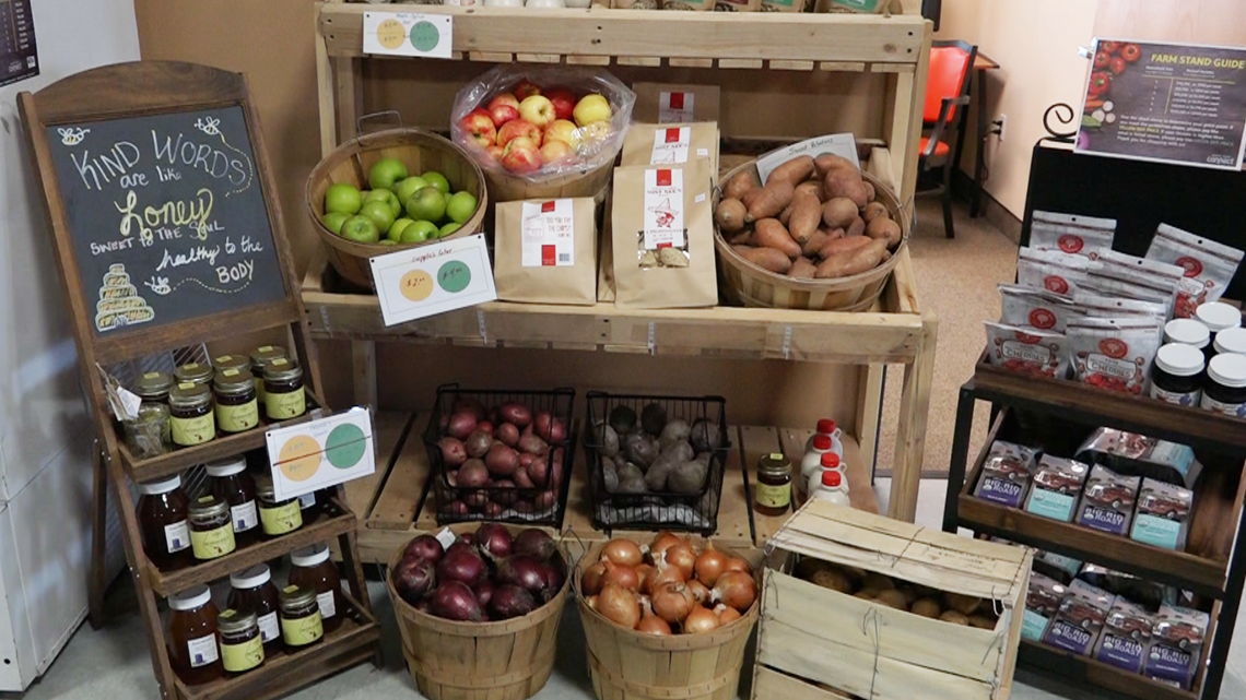 Rockford thrift store sells fresh produce from 25 local farms