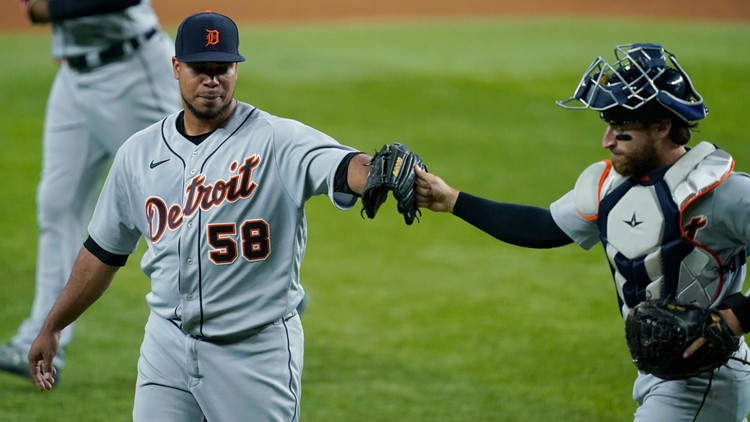 Peralta 7 scoreless innings for Tigers in 7-3 win at Rangers