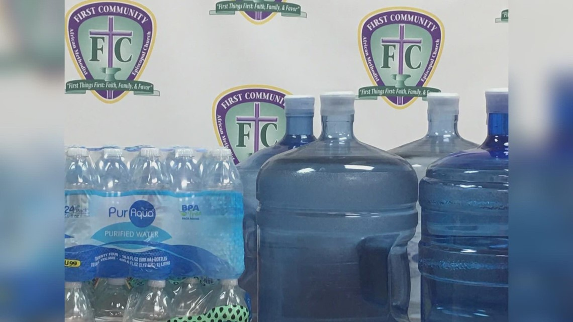 Grand Rapids organizations collecting bottled water to donate to people in Benton Harbor