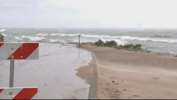 Strong winds, high waves precede fall storm