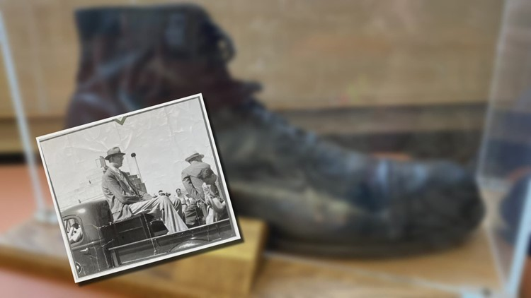 Size 37 shoe of world's tallest person on display at legendary Michigan store
