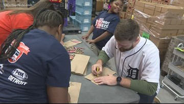 Detroit Tigers pack lunches at Kids Food Basket