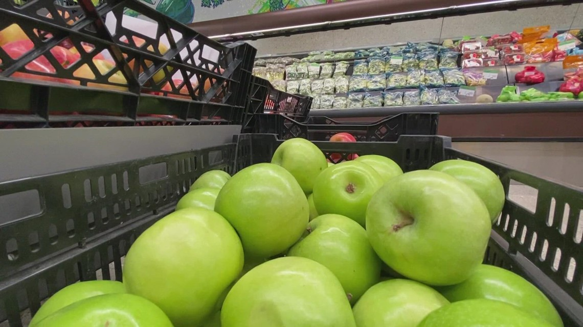 'Struggle without stigma': Grocery store-style food pantry opens in Holland