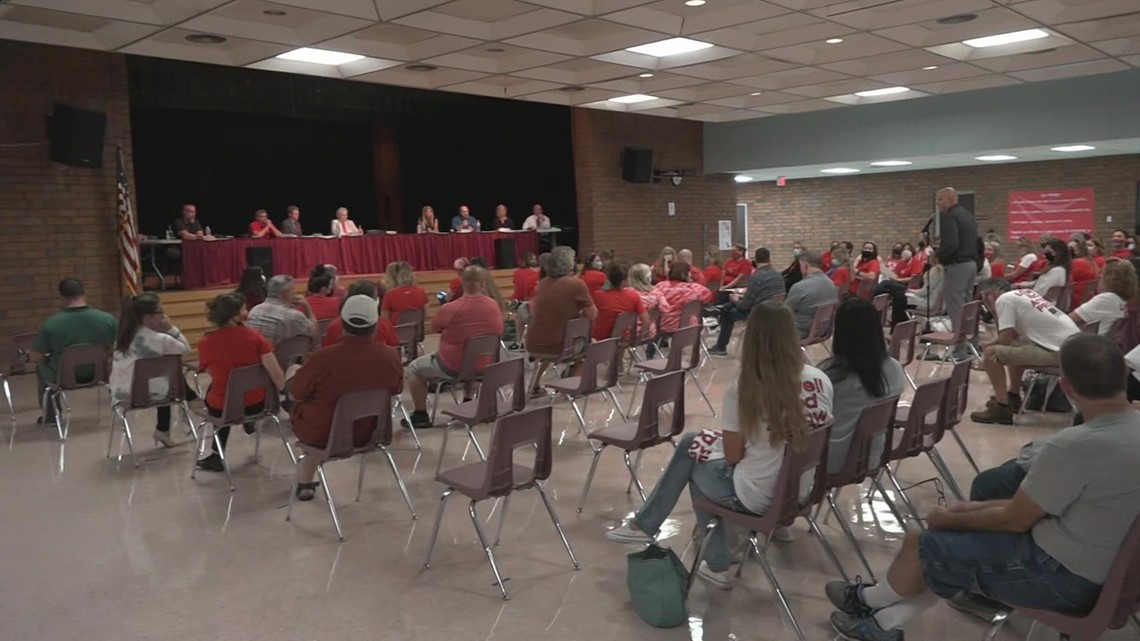 Parents discuss masks at Lowell school board meeting