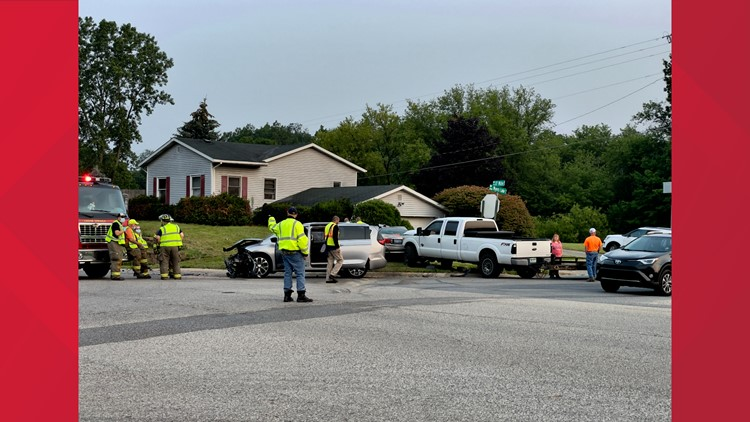 Early morning crash leaves one in critical condition