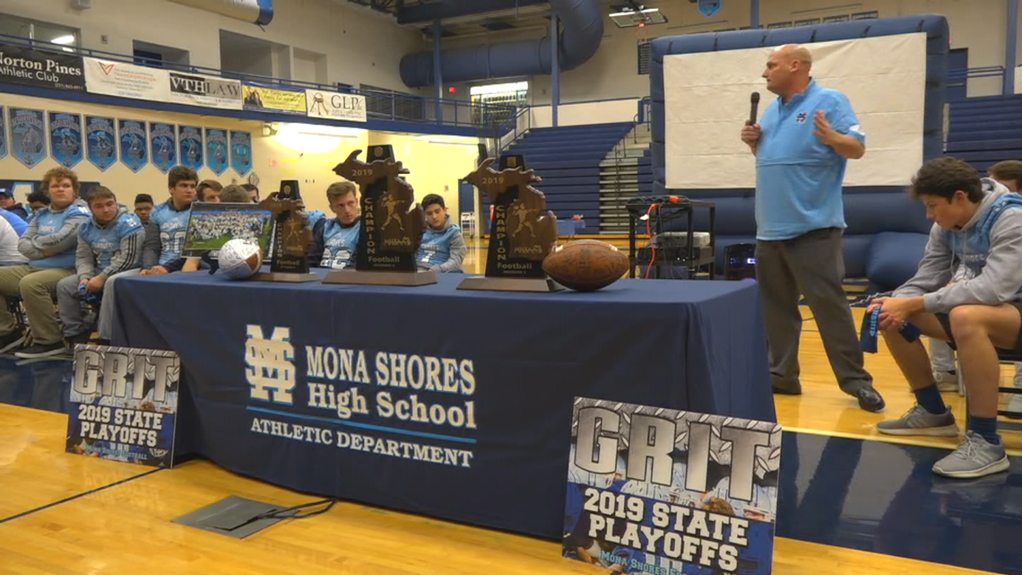 Community celebrates Mona Shores football's first state title