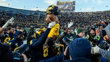Michigan, behind Shea Patterson, rips Michigan State 44-10