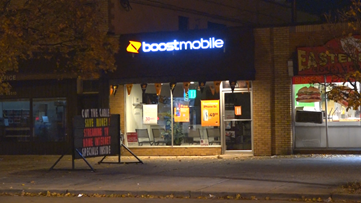 Fight leads to shots fired outside Grand Rapids cell phone store