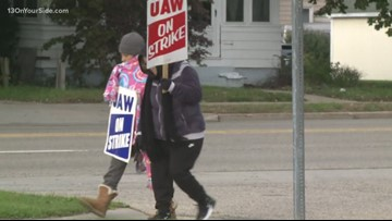 UAW officials send deal to GM workers for ratification